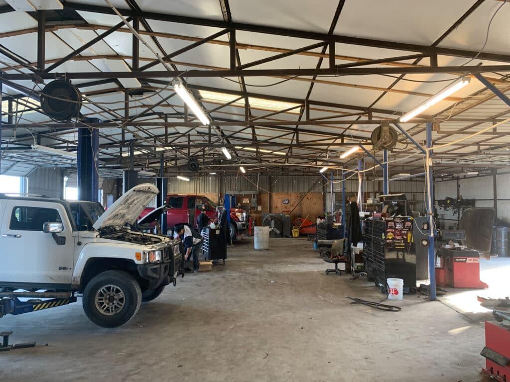 Circle S Auto Service Garage